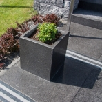 RECTANGULAR AND SQUARE PLANTERS