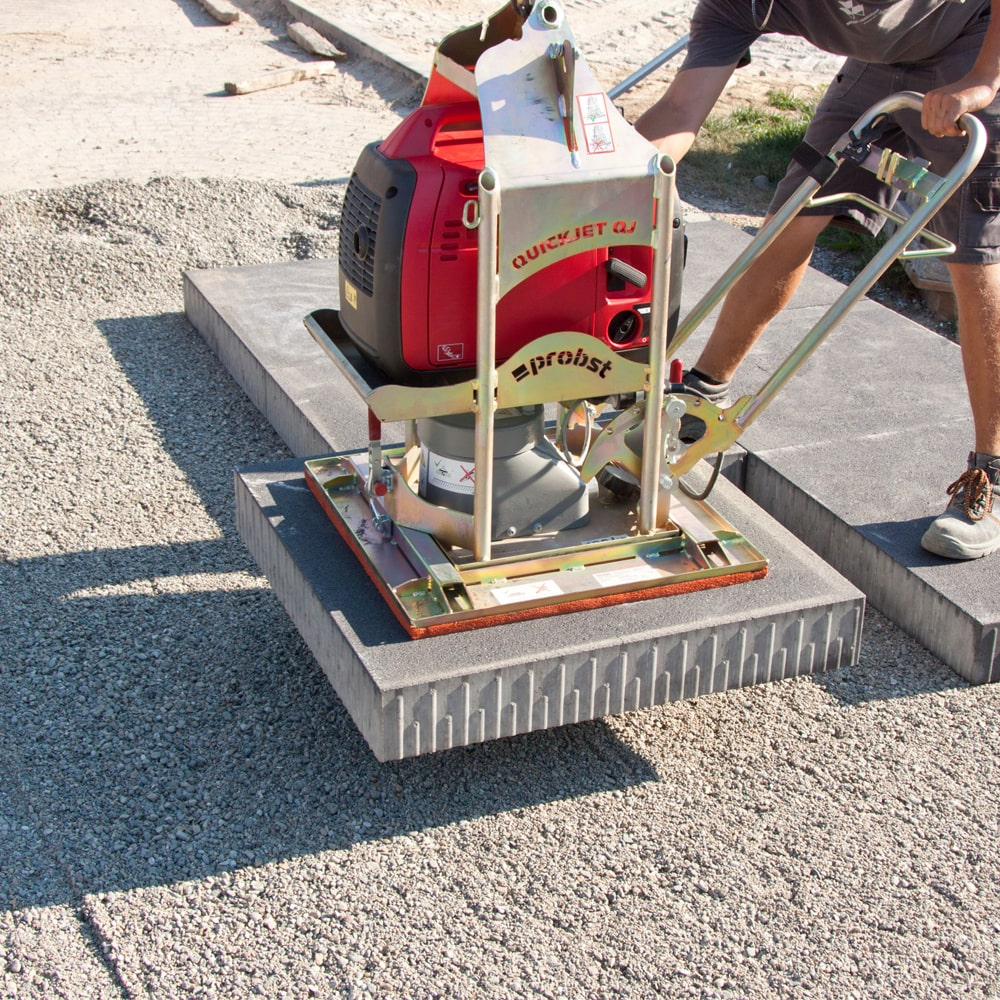 Rental of vacuum lifters to large terrace and paving slabs